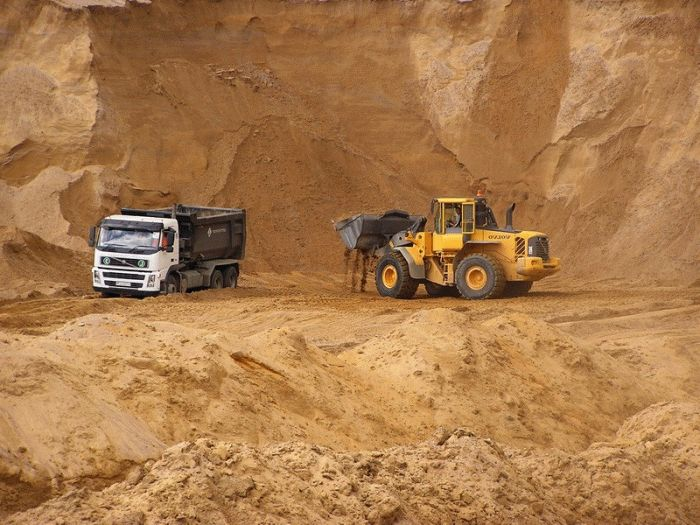 Карьерный песок – необходимый материал для строительства