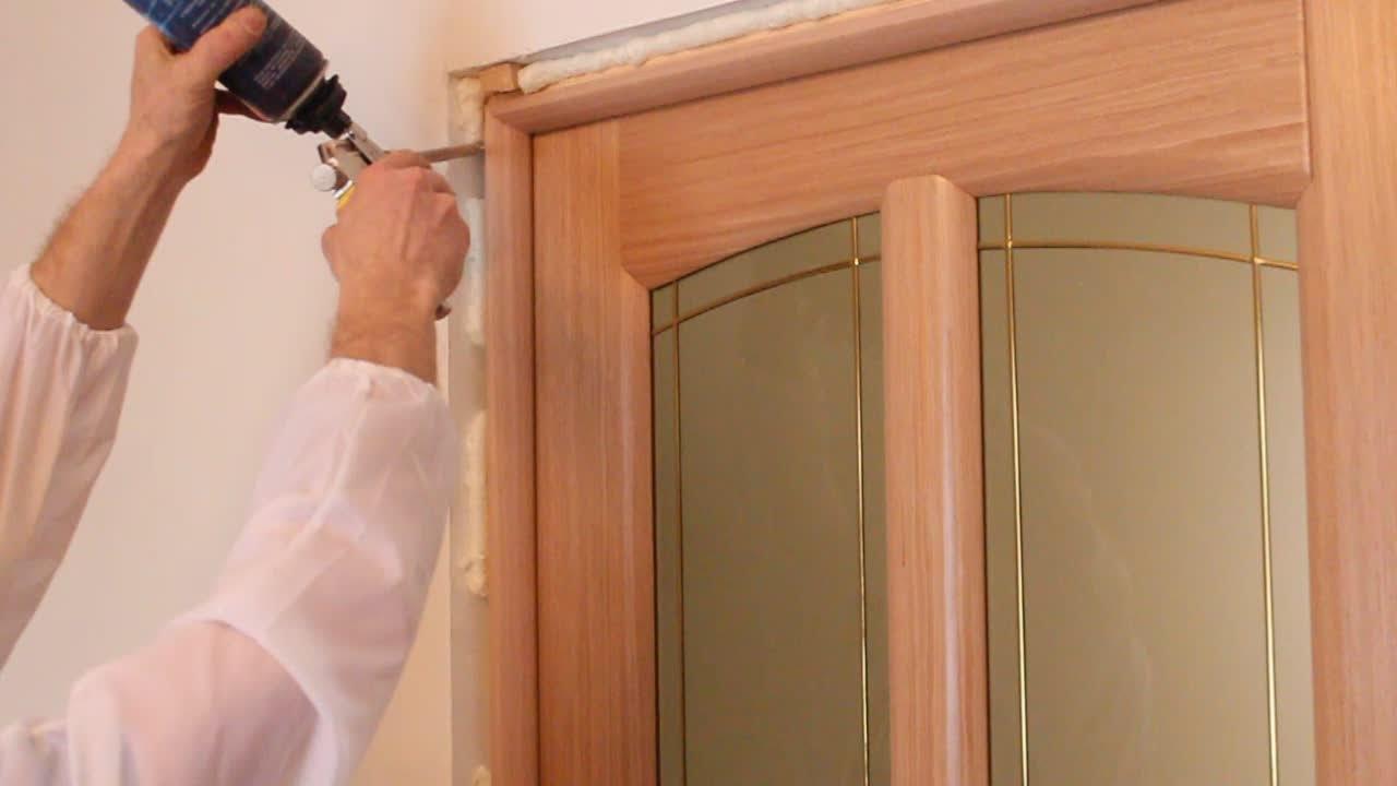 Какие установить двери?